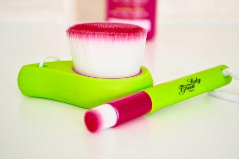 Brosses nettoyantes Lady Green BIO - Les Déboires de Carlita